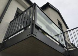 Stahlgeländer Pulverbeschichtet mit Glas